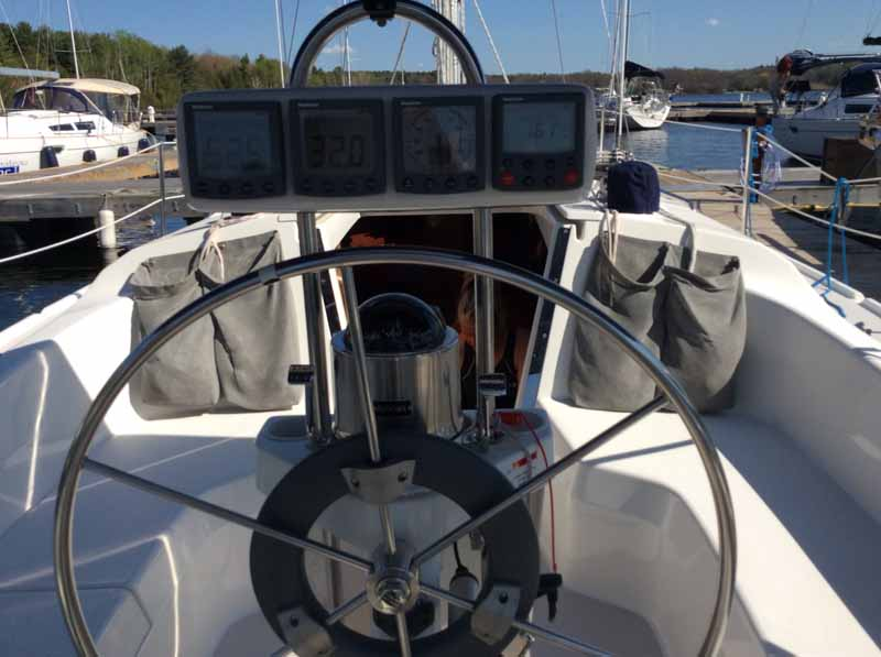 Da Capo Helm: a glimpse at the Catalina 310 specs