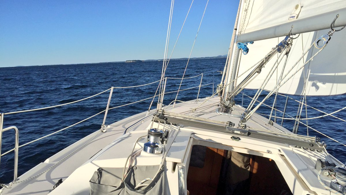Sailing Errant to Burlington, Vermont (Source: Geo Davis)